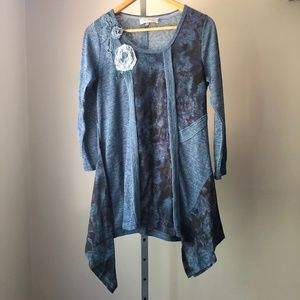 Pretty Angel Sharkbite Embroidered Tunic Top M